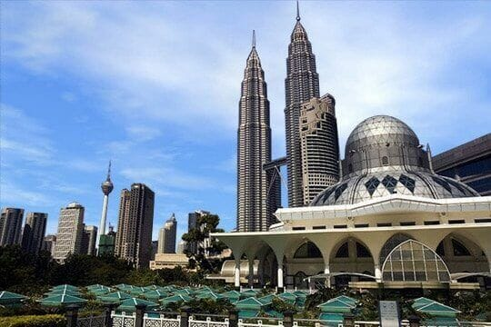 Commodity Prices: Huge Threat to Malaysia Economy